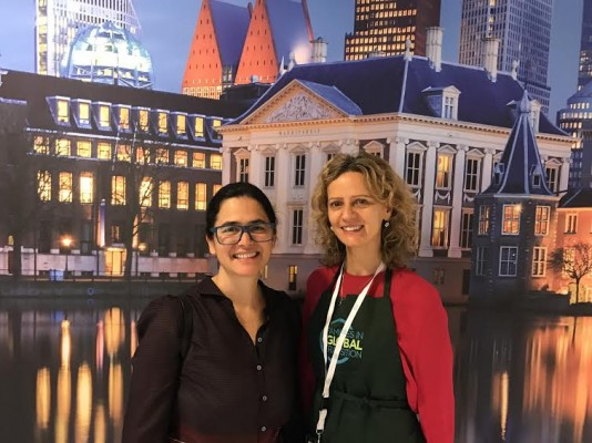 Barbara Menezes & Lucinda Willshire, Slurping Soup co-authors, meet up at FIGT 2017